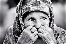 Bosnian woman in Tuzla, Bosnia, 1995. (Photo by David Turnley)