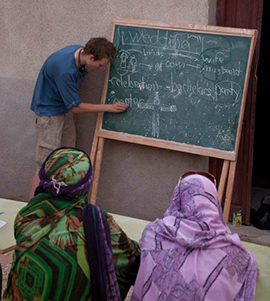Haveland teaching in the Laayoune refugee camp. (Credit: Marius H Salvesen)