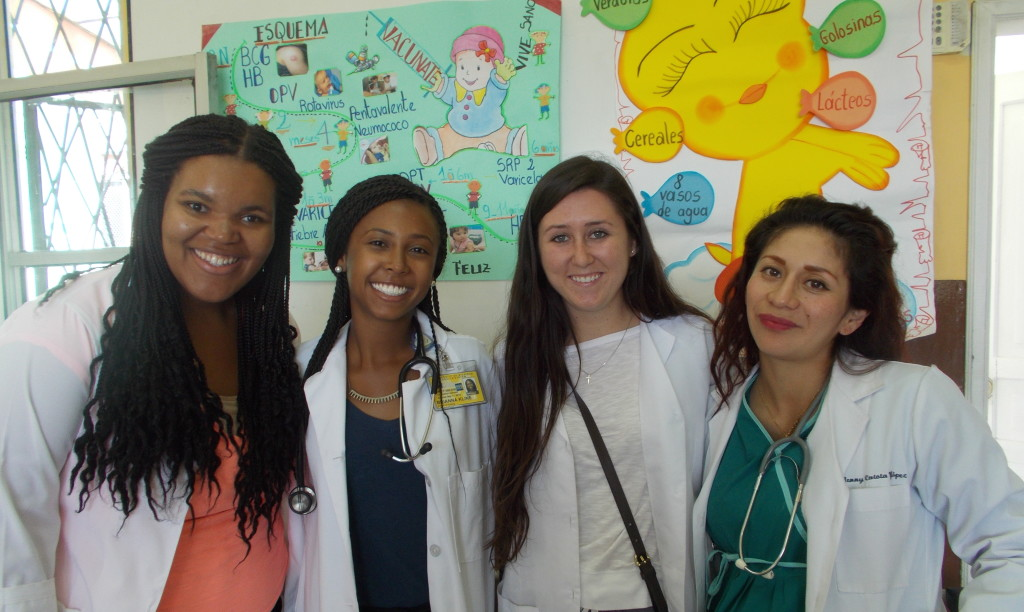 Nursing and LSA Students in Ecuador Photo by Norma Sarkar