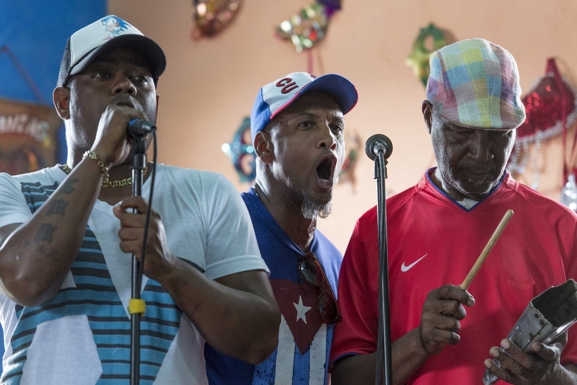 LosMuñequitosdeMatanzas performer trio