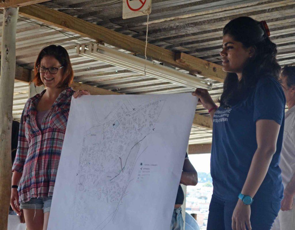 """Laura Devine (left). Credit: """"Ocupação Anchieta Avança!"""" team"""