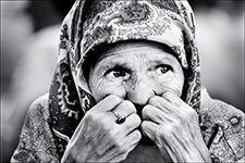 Bosnian woman in Tuzla, Bosnia, 1995. (Photo by David Turnley)